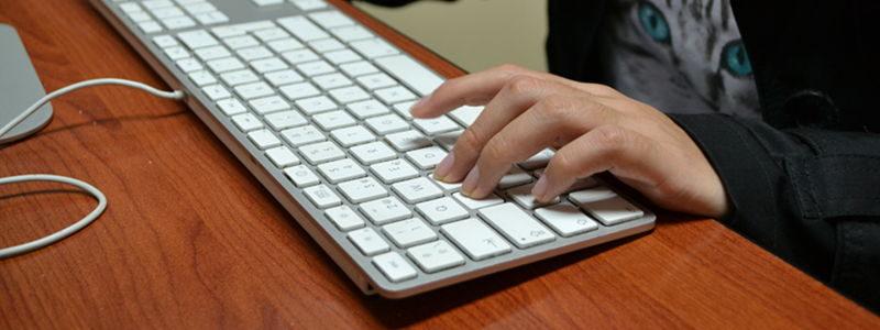 Pisanie tekstów na zamówienie, jako freelancer, czy praca na etacie?